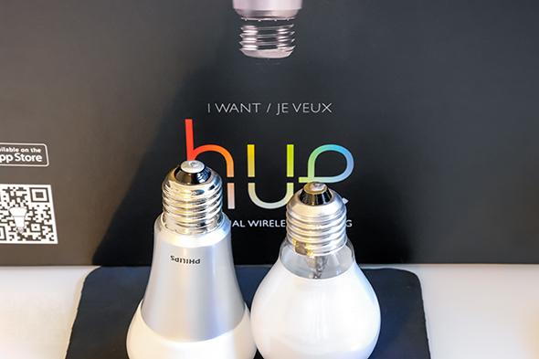 Philips Hue Vergleich mit Glühbirne